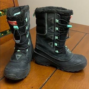 The North Face kids size 2 winter boot